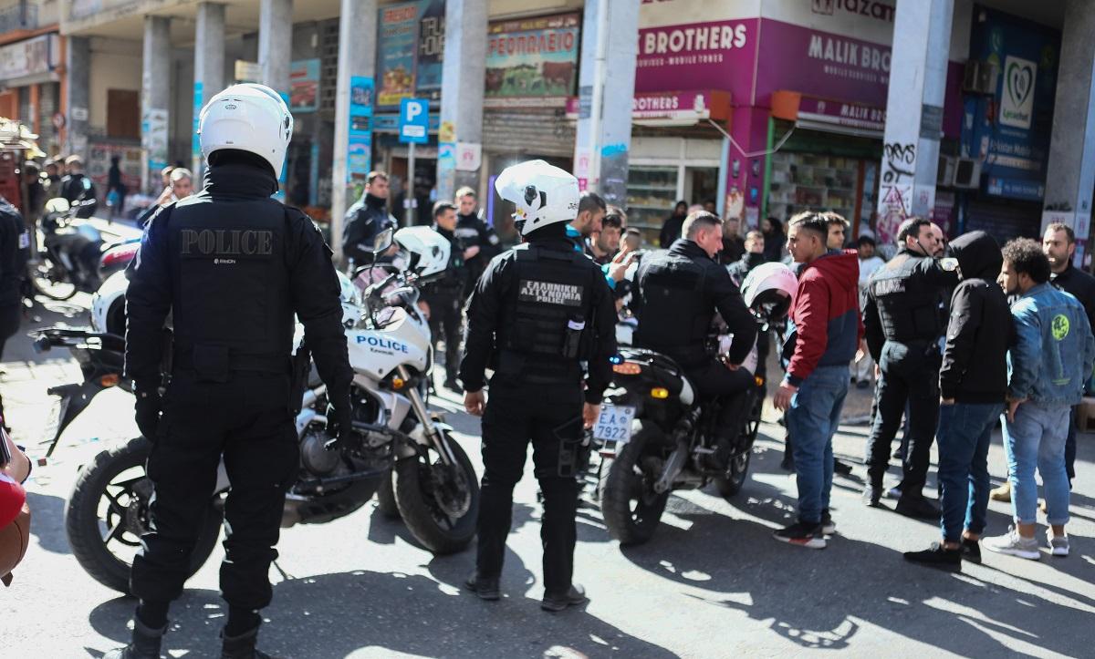 Αθήνα: Πυροβολισμοί μεταξύ αλλοδαπών στο κέντρο - Πληροφορίες για νεκρό! (vid)