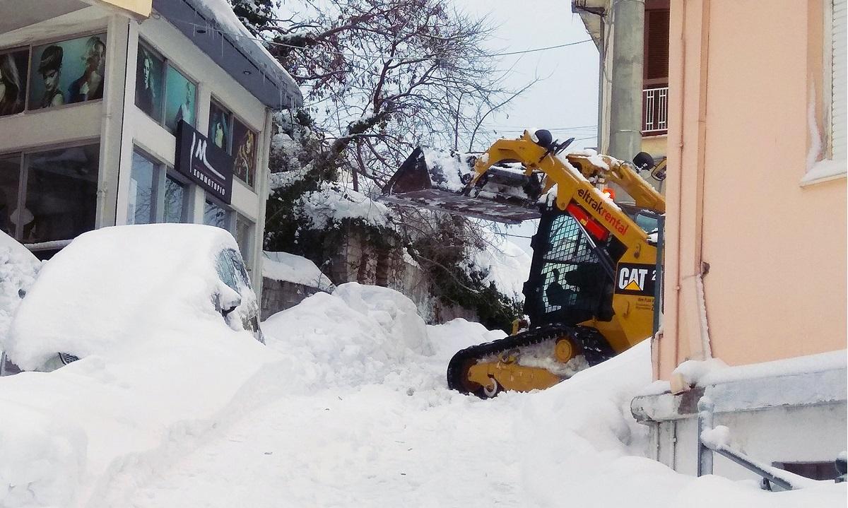 Νέο κύμα κακοκαιρίας στην Αττική: Χιονίζει σε Πάρνηθα, Πεντέλη και Μαλακάσα! (pic, vids)