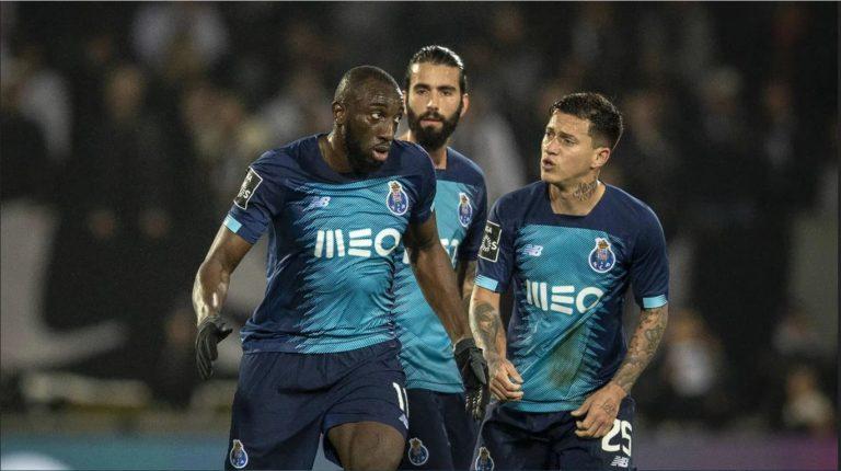 Έξαλλος ο Μαρεγκά, αποχώρησε από το γήπεδο εξαιτίας ρατσιστικών συνθημάτων! (vids)