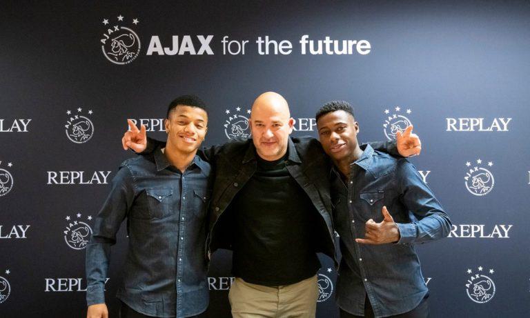Ο Ajax ντύνεται….με Replay!