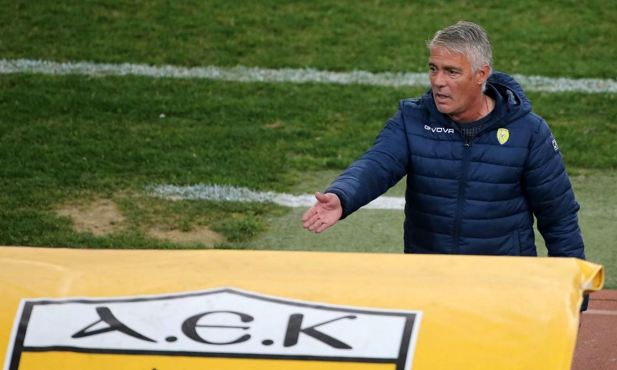 Χάβος: «Δίκαιη η νίκη της ΑΕΚ, δεχθήκαμε χαζά γκολ»
