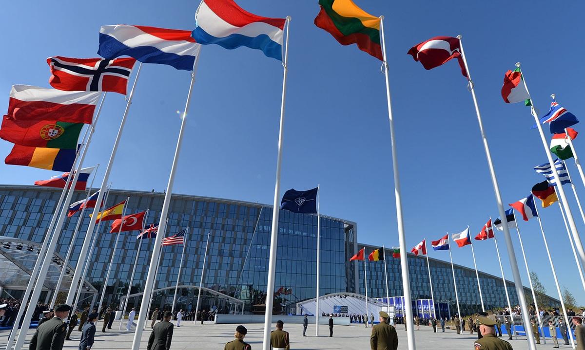 Η Ελλάδα γίνεται και επίσημα μέλος του ΝΑΤΟ