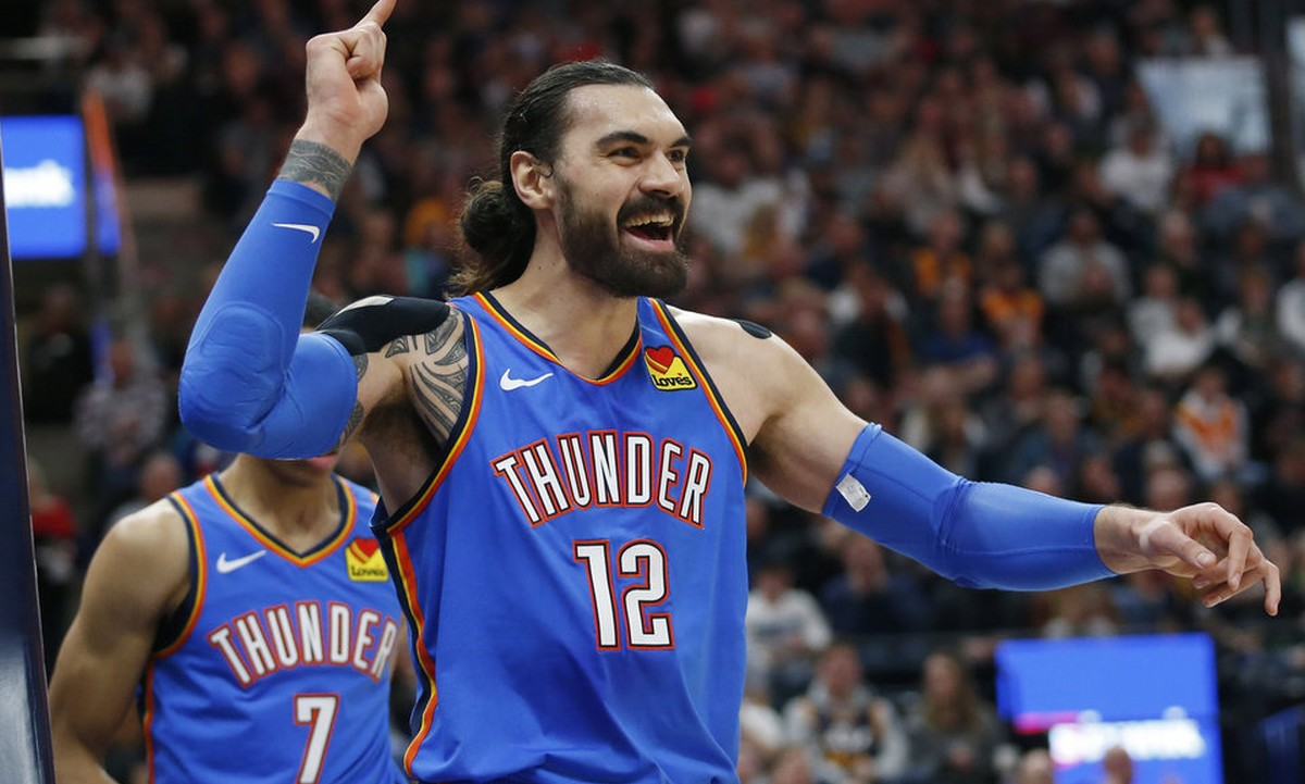 NBA: Επικό τρίποντο από το κέντρο με το ένα χέρι! (vid) - Sportime.GR