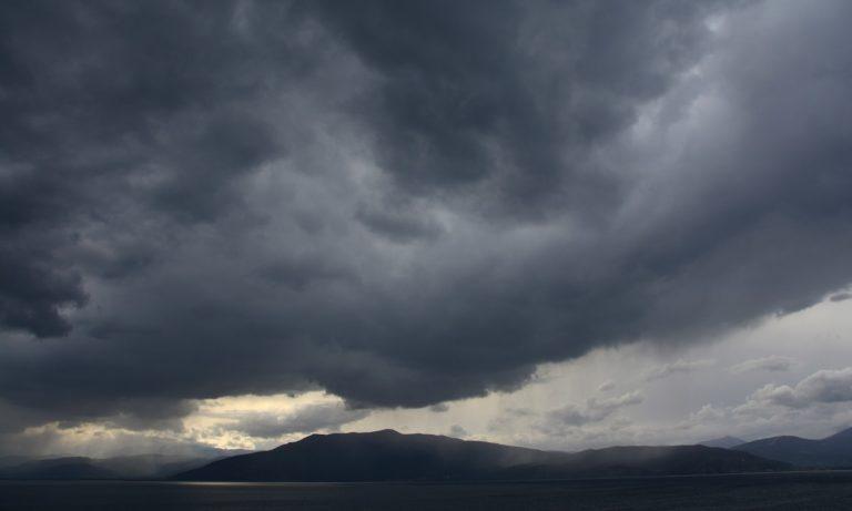 Καιρός 13/2: Νεφώσεις με τοπικές βροχές