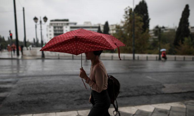Καιρός 7/4: Βροχές και τσουχτερό κρύο