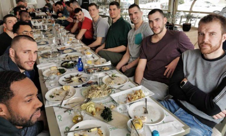 Άρης: Γεύμα ενότητας και πίστης για παραμονή (pics)