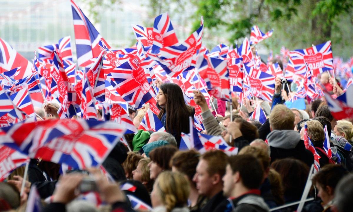 Κορονοϊός: «Πιθανόν το 50% των Βρετανών να έχει προσβληθεί»!