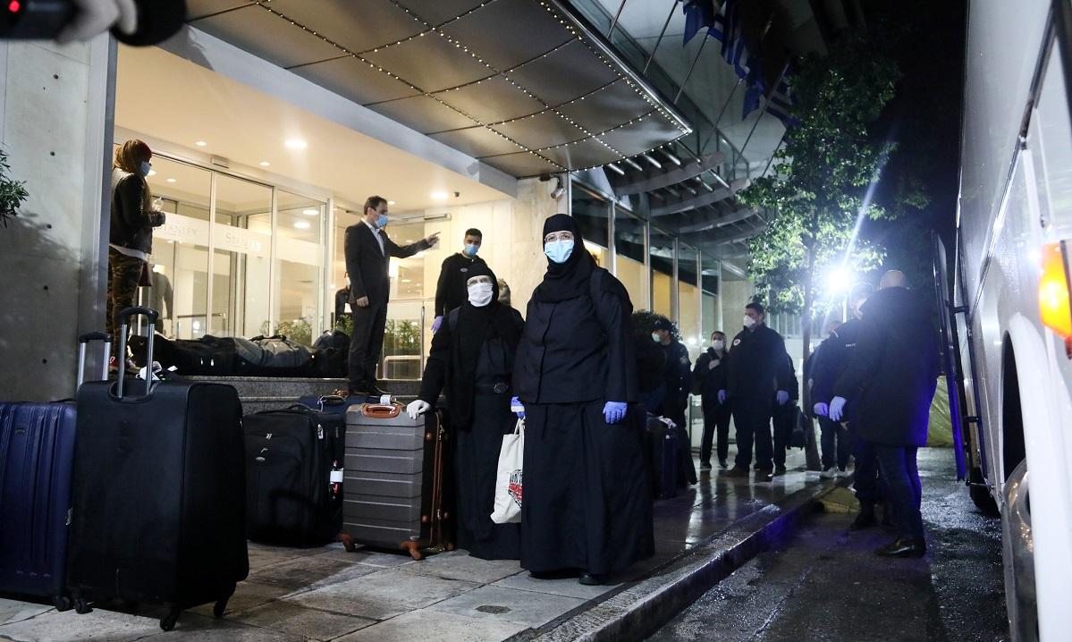Κορονοϊός: Σε καραντίνα σε ξενοδοχείο 33 Έλληνες από την Τουρκία (vid)