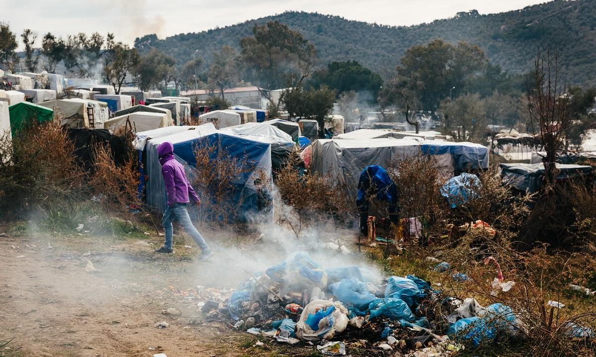 Μεταναστευτικό: 700 εκατ. ευρώ για δομές… προσφύγων στα Νησιά και όχι για τους κατοίκους!