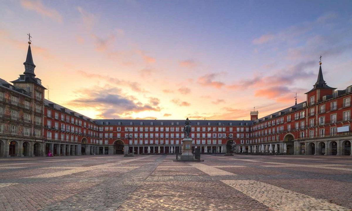 Κορονοϊός- Ισπανία: 832 νέοι θάνατοι, 8 χιλιάδες νέα κρούσματα ...