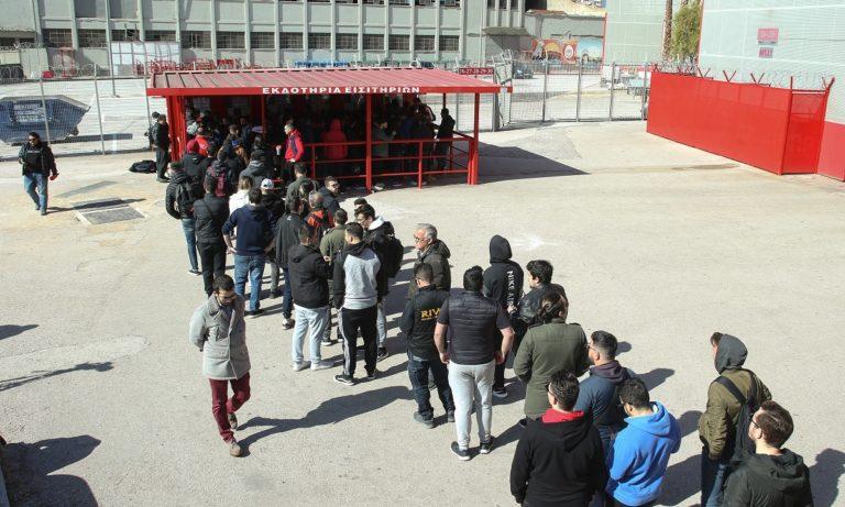 Ολυμπιακός – Γουλβς: Ουρές για τα εισιτήρια του αγώνα! (vid, pics)