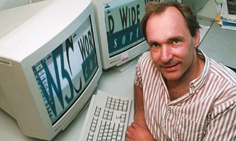 1989: Ο Τιμ Μπέρνερς – Λι ανακαλύπτει τον Παγκόσμιο Ιστό και αλλάζει τον κόσμο