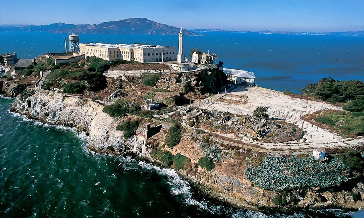 Σαν σήμερα κλείνουν οι φυλακές του Αλκατράζ