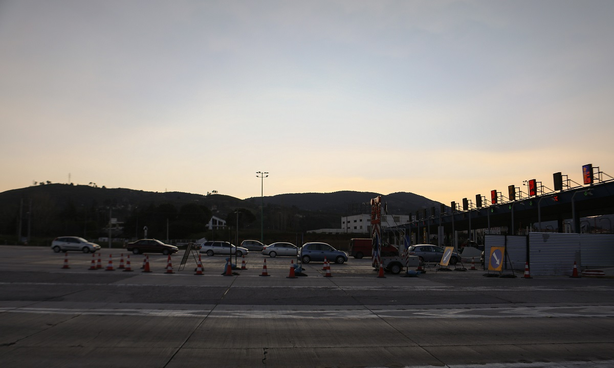Κορονοϊός: Σχεδόν 24.000 οχήματα πέρασαν τα διόδια Αθήνας και Θεσσαλονίκης (vid)