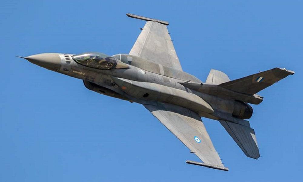 Έβρος: Ελληνικά F16 πάνω από τον φράχτη στις Καστανιές (vid)