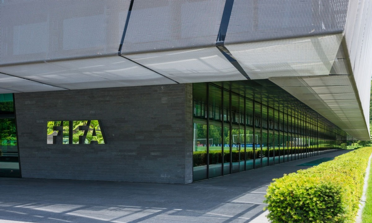 FIFA: Μεγάλο ποσό για τη «διάσωση» του ποδοσφαίρου