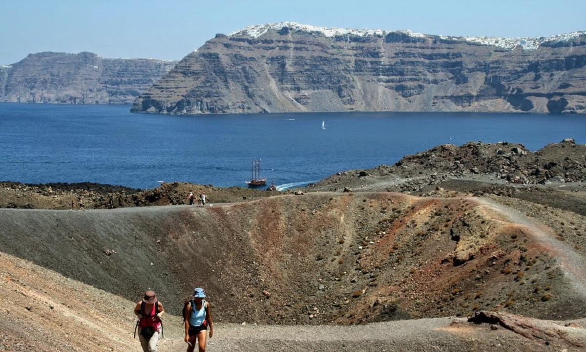 Ηφαίστειο Σαντορίνης: Υπαρκτός ο κίνδυνος ενεργοποίησης! | sportime.gr