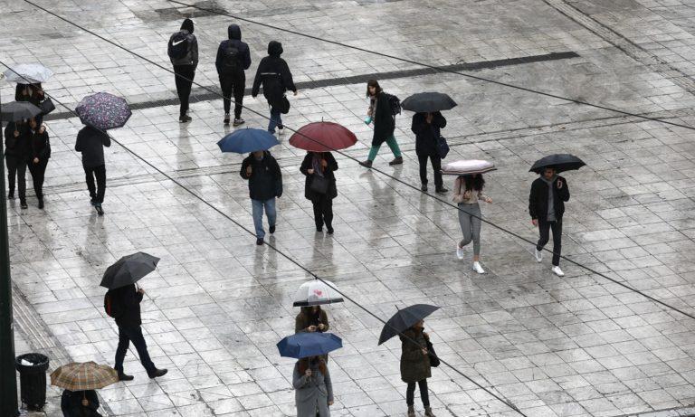Καιρός 14/4: Τοπικές βροχές, σποραδικές καταιγίδες