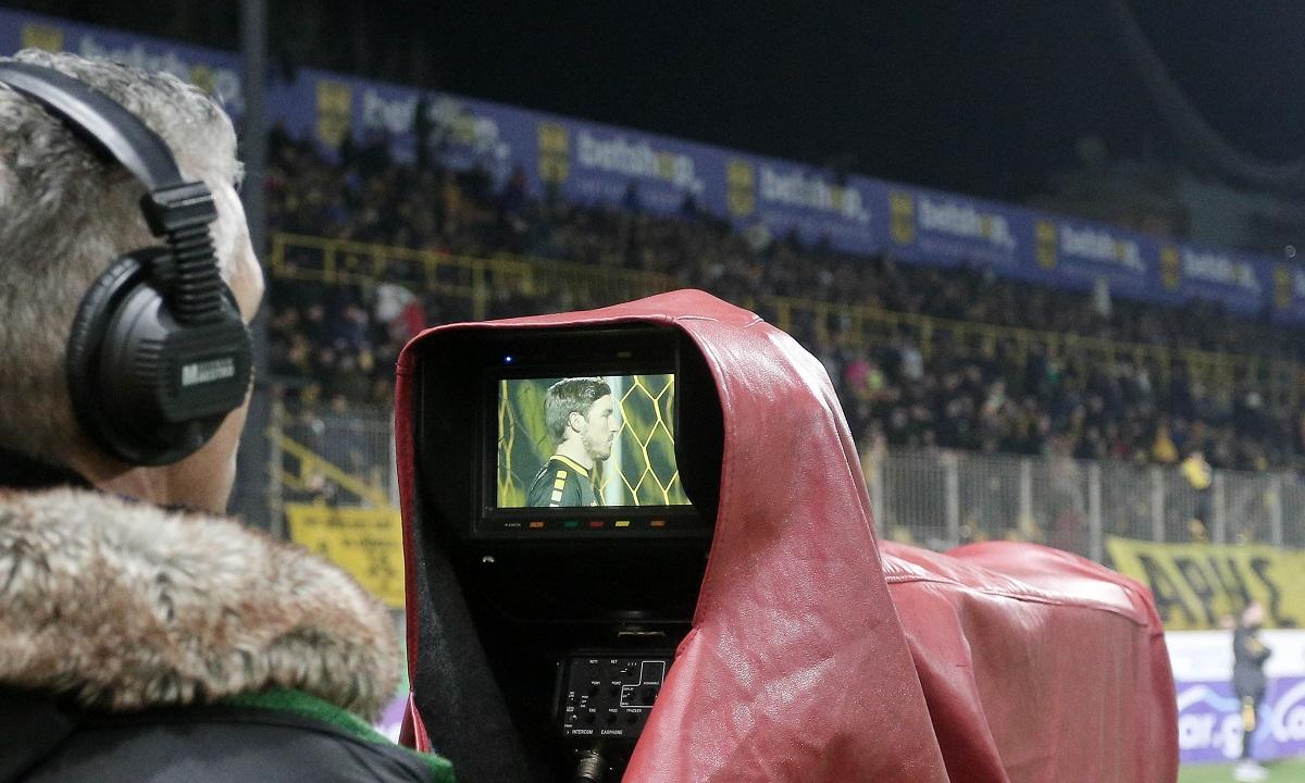 Super League: Τι συμβαίνει με τα τηλεοπτικά συμβόλαια