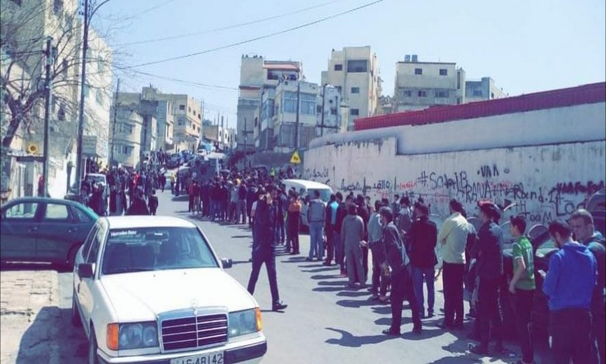 Ιορδανία: Συνωστίζονται για τα είδη πρώτης ανάγκης (pics+vids)