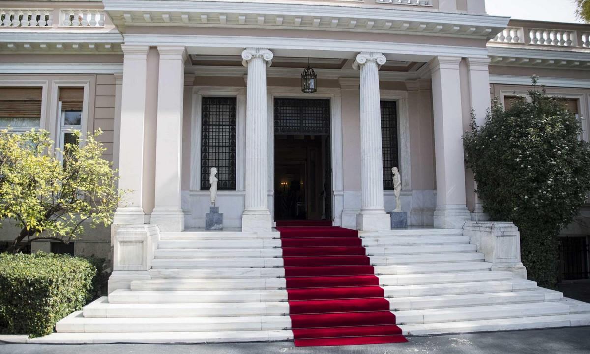 Κορονοϊός: Σύσκεψη στο Μαξίμου-Παίρνουν αποφάσεις