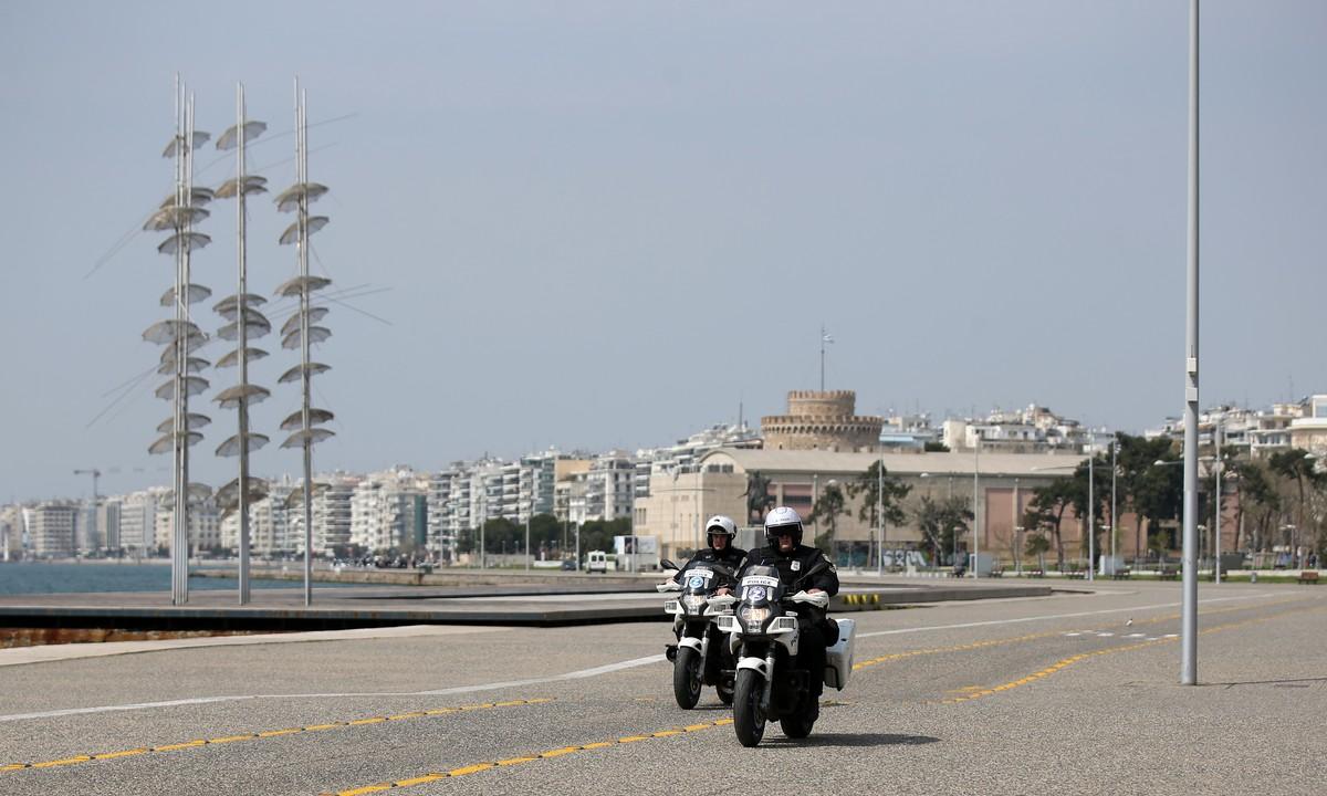 Θεσσαλονίκη: Άδεια η Νέα Παραλία – Σε ισχύ το «λουκέτο» (vid-pics)