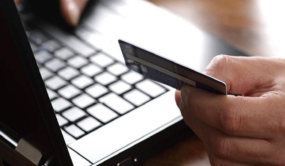 Κορονοϊός: Ένα στα τρία online καταστήματα έχουν επηρεαστεί