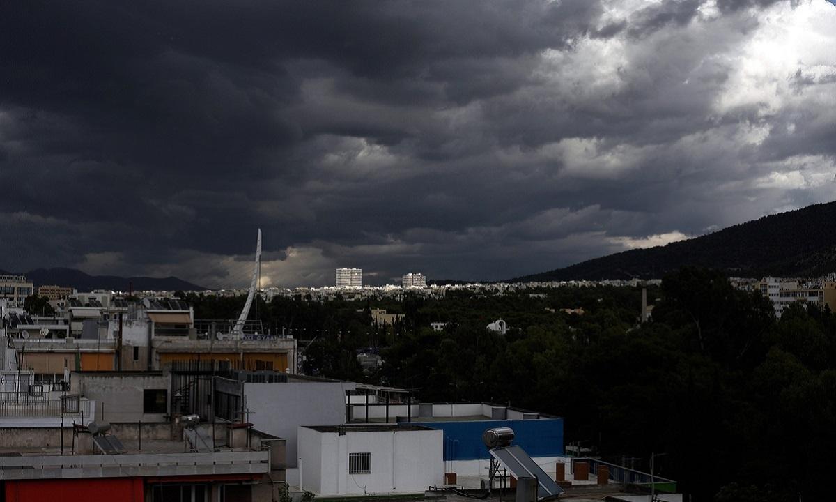 Καιρός 25/3: Νεφώσεις, βροχές και σποραδικές καταιγίδες