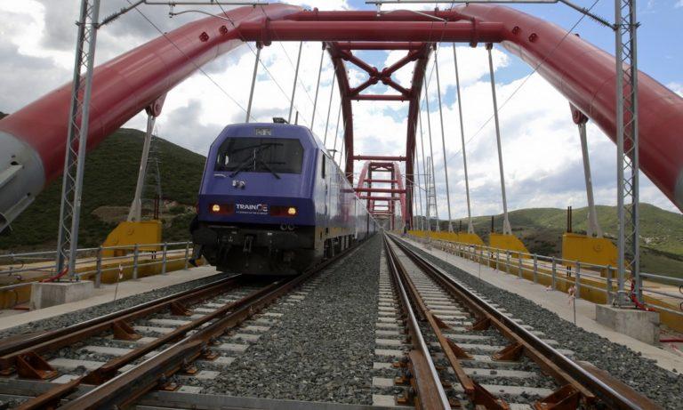 Στάση εργασίας σε τραίνα και τραμ