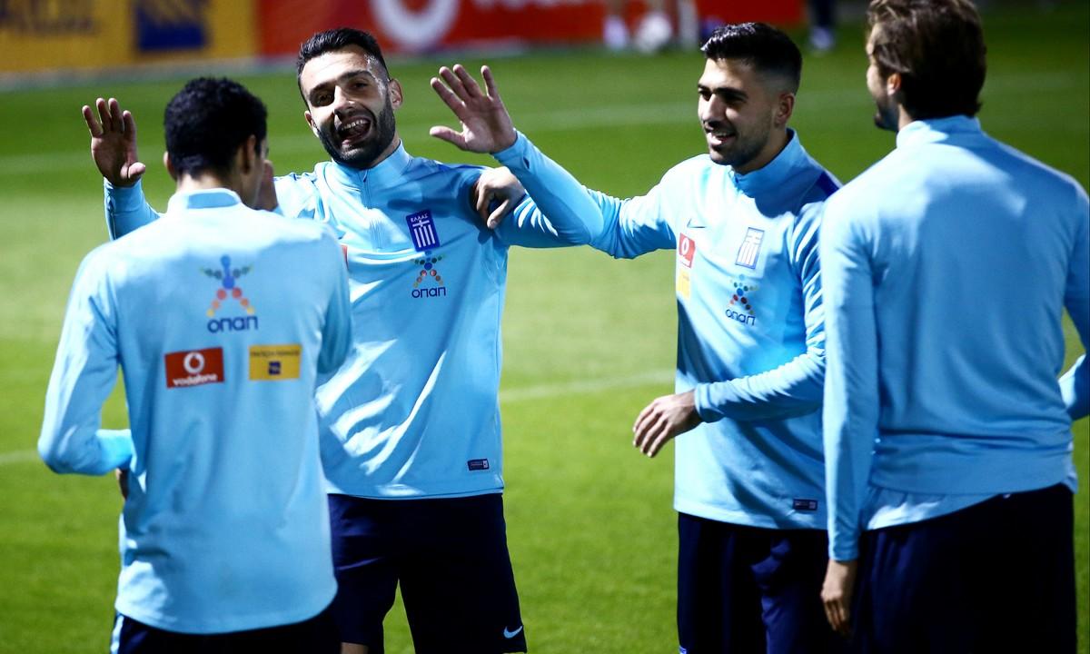 Κορονοϊός: Κι άλλοι ποδοσφαιριστές στην προσπάθεια Τζαβέλλα, Μπακασέτα και Σιώπη!