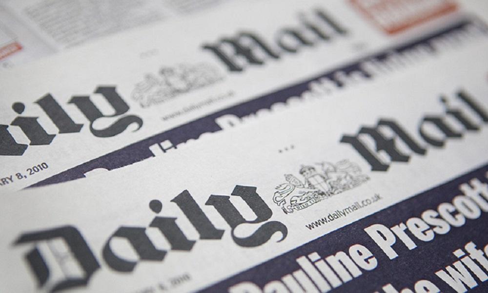 Daily Mail: Μειώσεις και πληρωμές με… μετοχές!