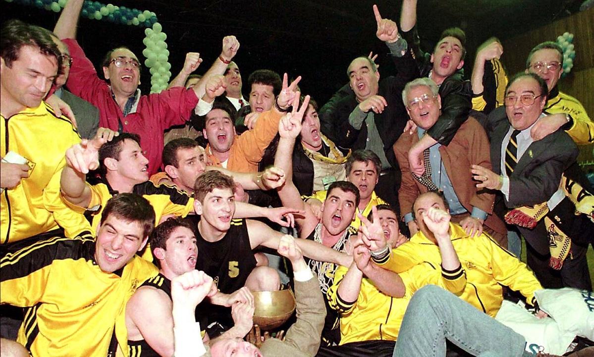 3/4/1997: Ο Άρης «ισοπεδώνει» την Τόφας στην Τουρκία και κατακτά το Κύπελλο Κόρατς (vid) - Sportime.GR