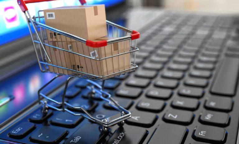 Κορονοϊός: Αύξηση στις διαδικτυακές αγορές - Ποια προϊόντα ξεπουλάνε (vid)
