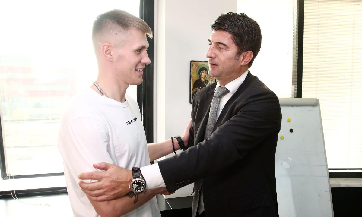 Ιβιτς: Κάθε μέρα στα γραφεία, βλέπει παίκτες για το καλοκαίρι
