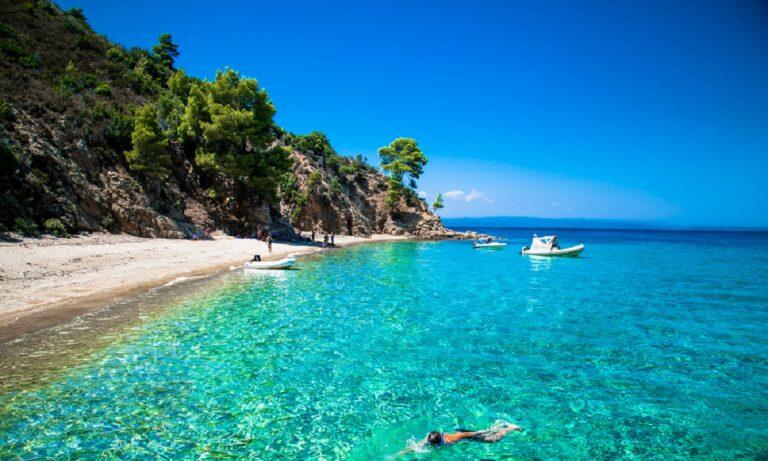 Χαλκιδική - Παραλίες: Πρώτες σε Γαλάζιες σημαίες στην Ελλάδα!