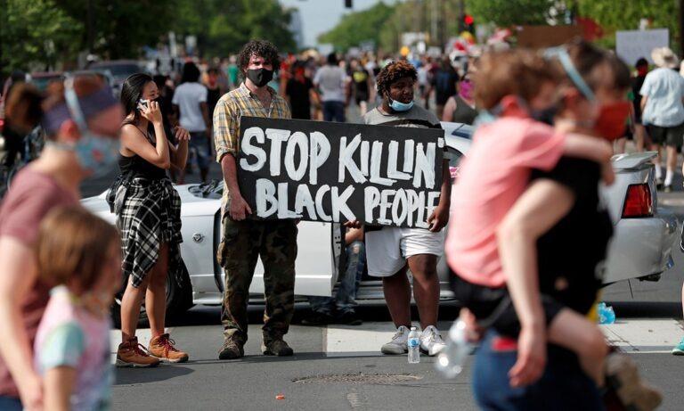 Τζόρτζ Φλόιντ: Διαδηλώσεις στη Μινεάπολη – Βίντεο δείχνει πως δεν αντιστάθηκε καθόλου!