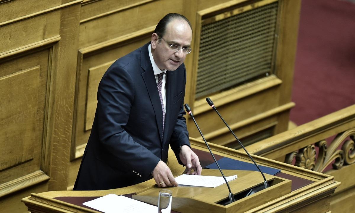 Βουλευτής ανακοίνωσε το ATM που είχε… τάξει στο χωριό του (pic)
