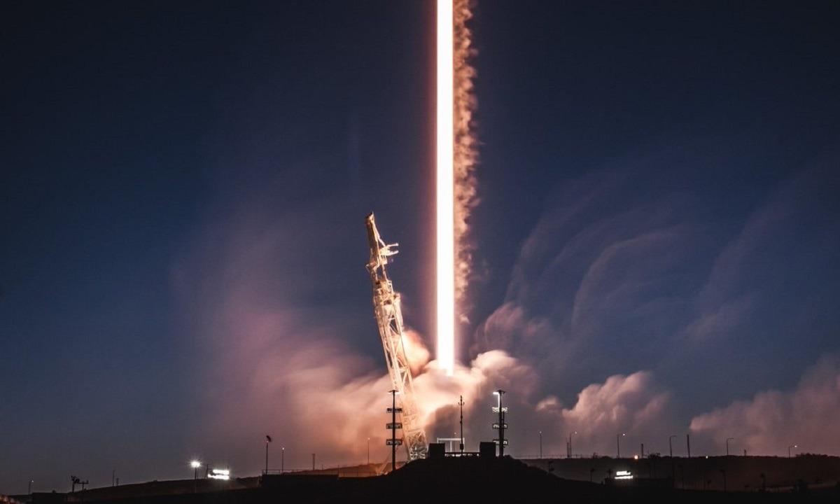 SpaceX: Εκτοξεύτηκε η επανδρωμένη αποστολή προς τον Διεθνή Διαστημικό Σταθμό - Sportime.GR