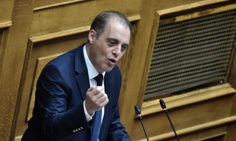 Νέα επίθεση Βελόπουλου κατά Τσιόδρα: «Είναι ένα παιδάκι που παίρνει λεφτά από φαρμακοβιομηχανίες»