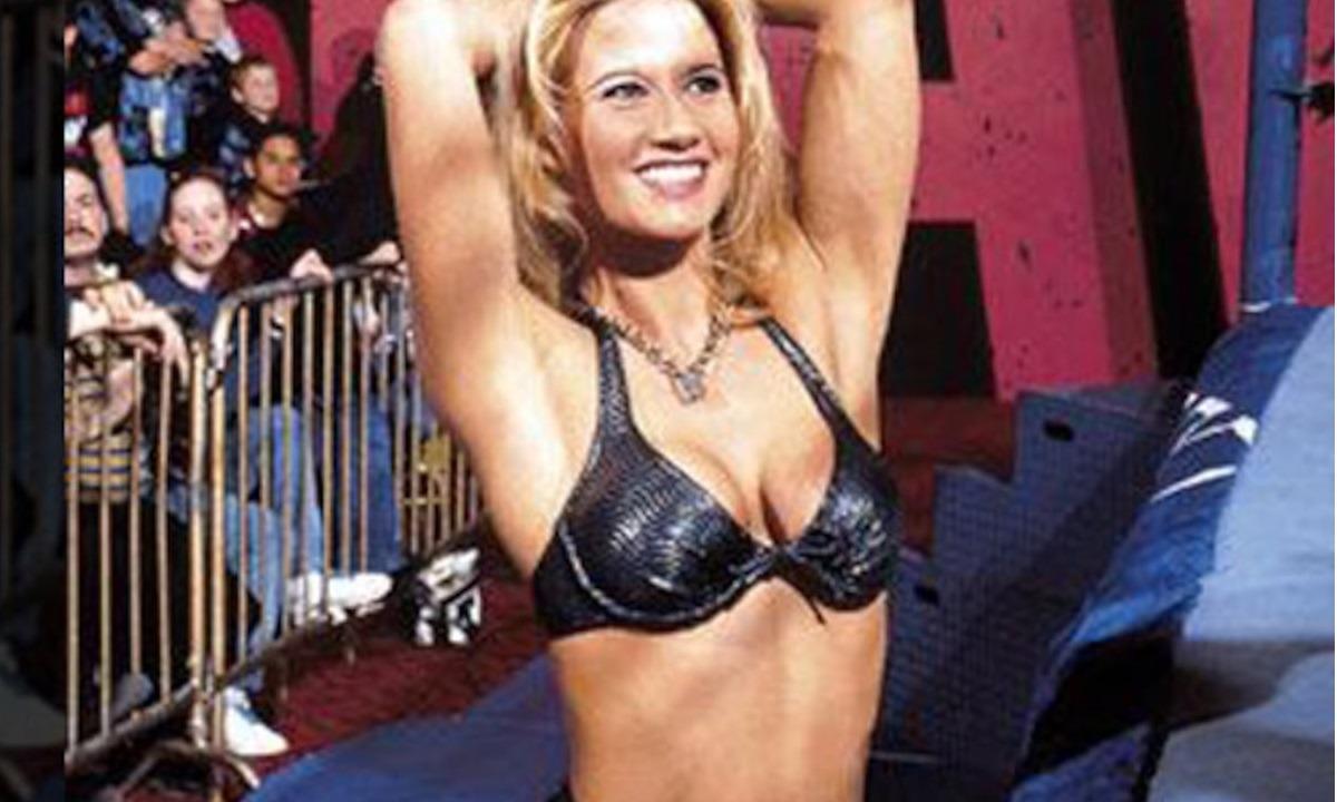 Η Sunny άφησε το WWE, έγινε πορνοστάρ και πλέον πουλάει γυμνές φωτογραφίες της! (pics, vids)