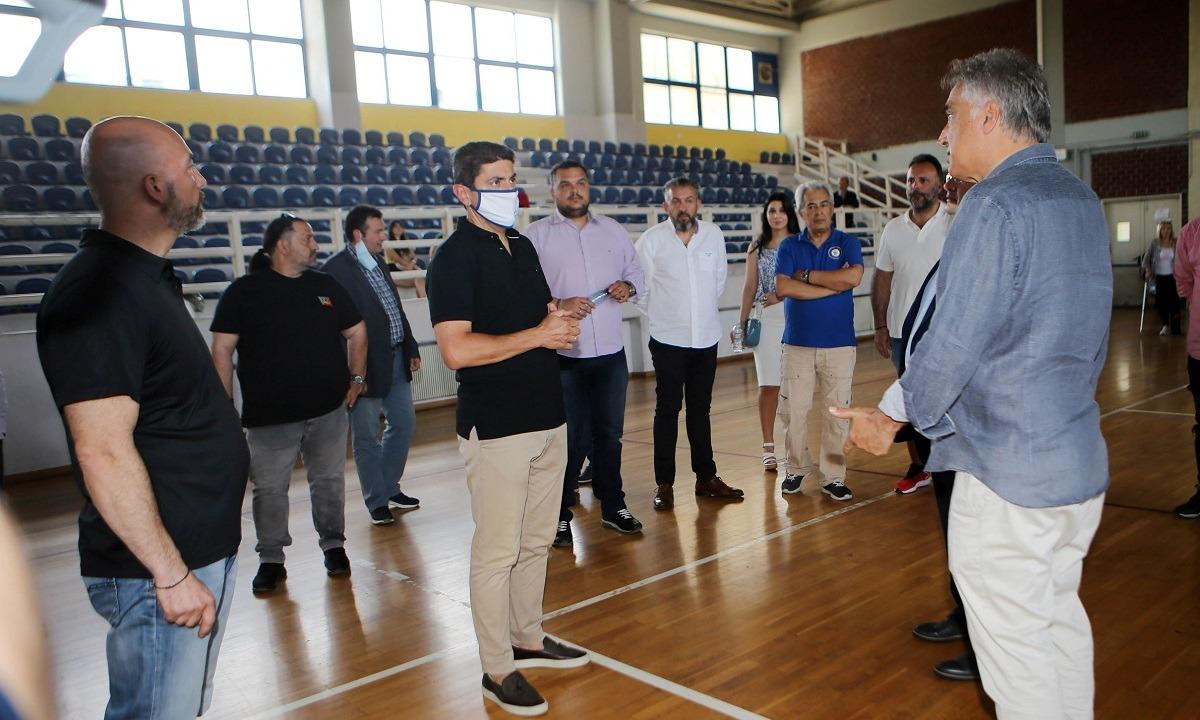 Αυγενάκης: Αυτοψία  στο αναξιοποίητο αθλητικό κέντρο του Ολυμπιακού Χωριού