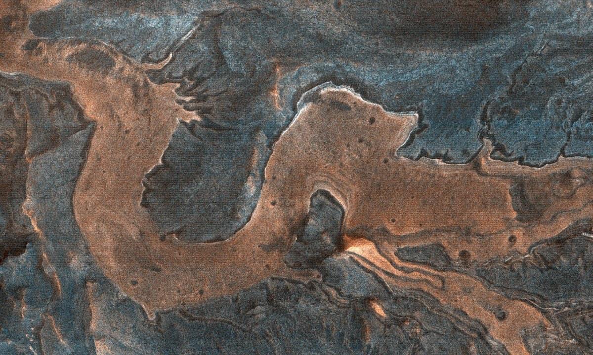 Ένας… δράκος στην επιφάνεια του Άρη (pics)