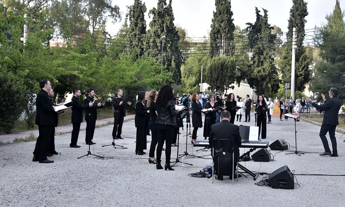 Κορονοϊός: Συγκίνηση στα νοσοκομεία με το μουσικό «ευχαριστώ» (vid+pics)