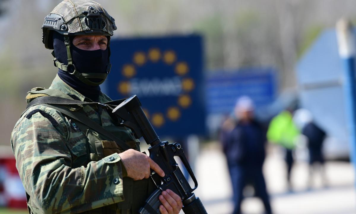 Sun: «Τουρκικά στρατεύματα εισβάλλουν στην Ελλάδα»