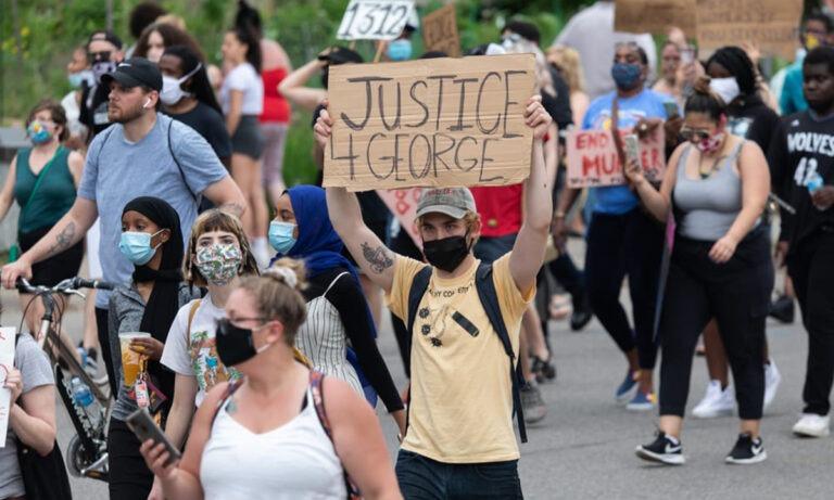 Αμερική: Επίθεση διαδηλωτών στον Λευκό Οίκο, σε ετοιμότητα ο στρατός (vid)