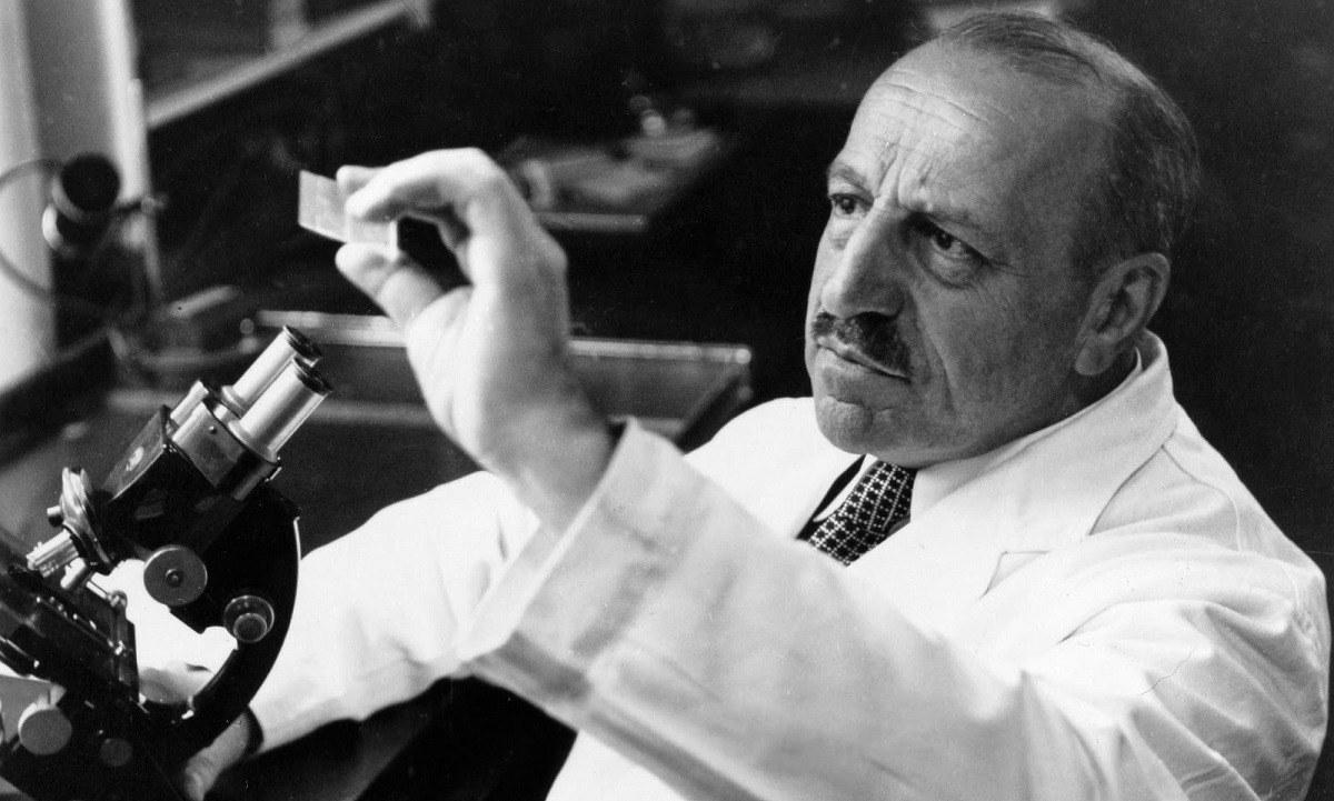 Γεώργιος Παπανικολάου: Ο σπουδαίος γιατρός που έσωσε τις γυναίκες με το «Τεστ Παπ» (vid)