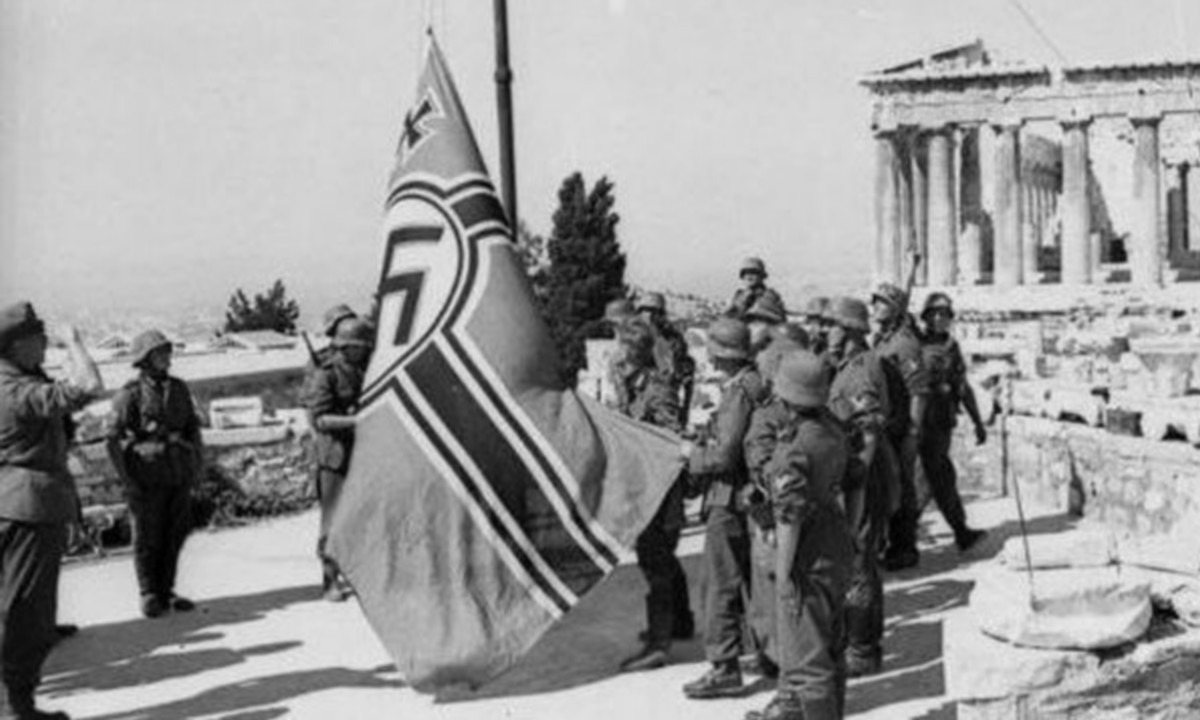 Γλέζος – Σάντας: Σαν σήμερα κατεβάζουν τη σημαία των ναζί - Sportime.GR