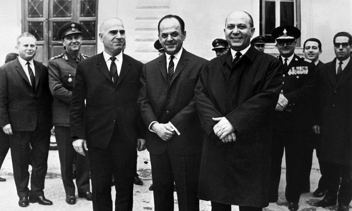 1 Ιουνίου: Η Χούντα καταργεί τη Μοναρχία στην Ελλάδα