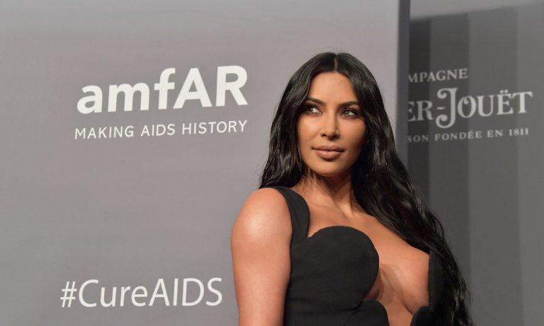 Kim Kardashian: «Τρελό» λάθος στο photoshop έριξε το Twitter (pic)