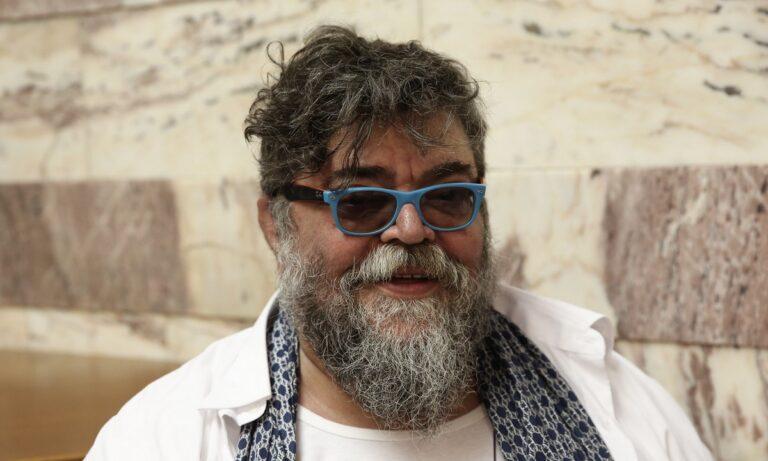 Ο Σταμάτης Κραουνάκης αποζημιώνεται για την «κινητή συναυλία» Πρωτοψάλτη – Πόσα θα λάβει